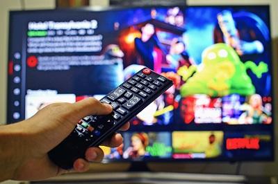 ¿Son apropiados los contenidos televisivos para los adolescentes?